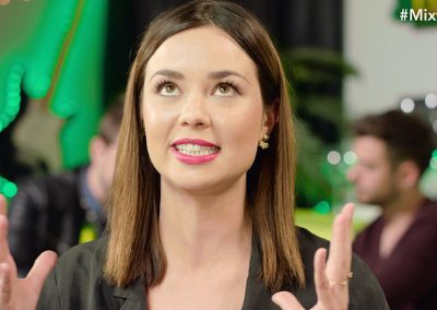 ¨El Debatex¨ con Berta Collado y Dafne Fernández ¿Ligar cara a cara o por app?